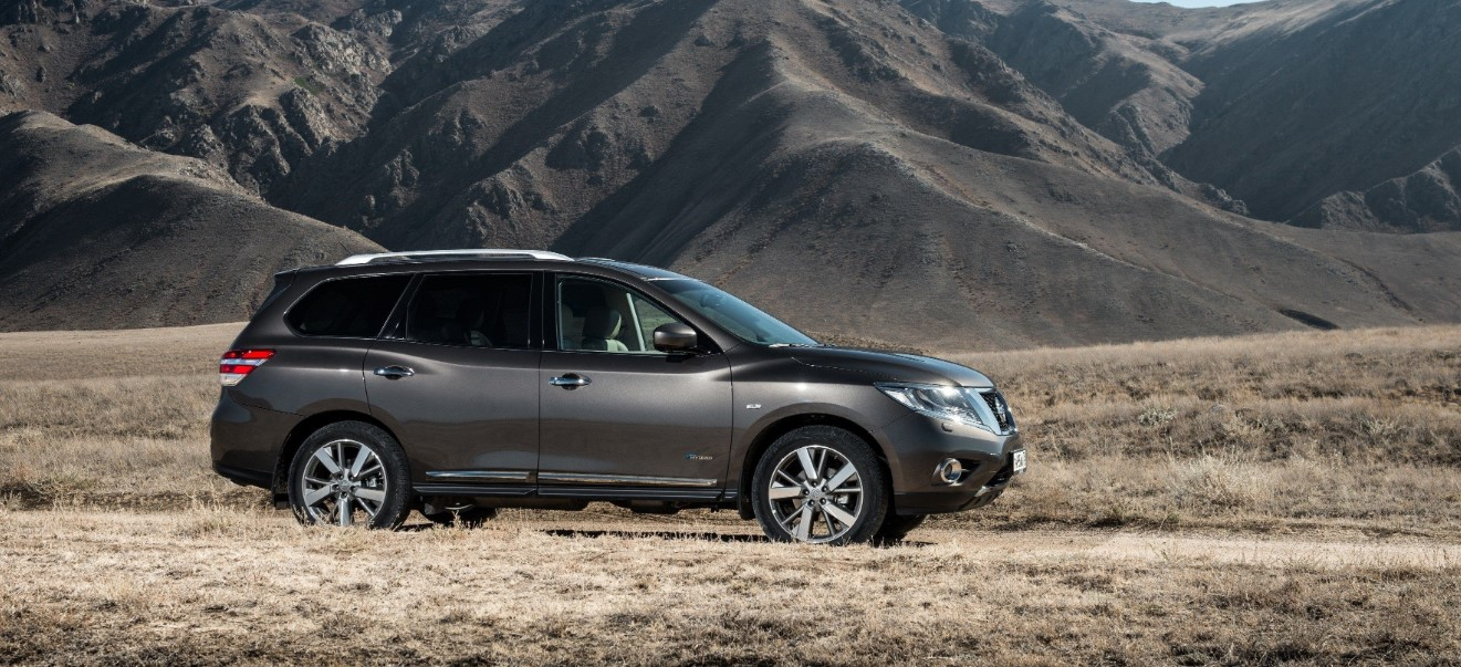 2021 nissan pathfinder apps changes, automatic